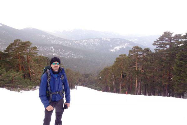 senderismo-raquetas-de-nieve-en-Navacerrada