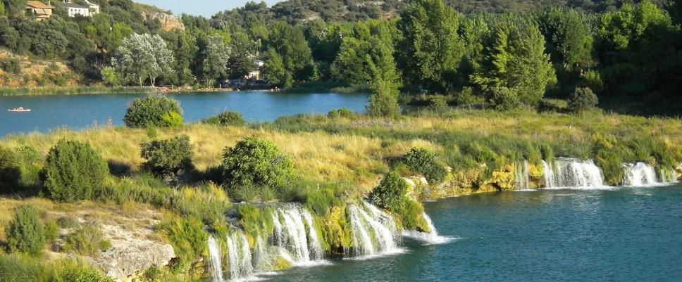 Lagunas de Ruidera, date un antojo con Senderismo y Baño.